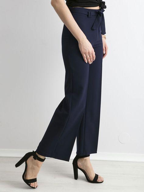 Granatowe szerokie spodnie z wiązaniem                              zdj.                              3