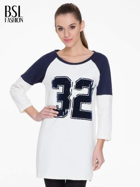 Granatowo-biała długa bluza baseballowa z numerkiem                                  zdj.                                  1