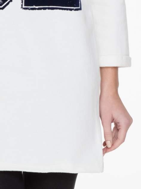Granatowo-biała długa bluza baseballowa z numerkiem                                  zdj.                                  6