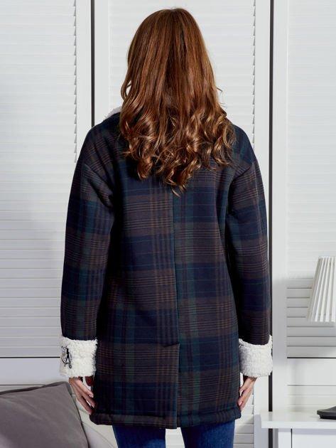 Granatowo-zielony płaszcz na baranku w kratkę                              zdj.                              2