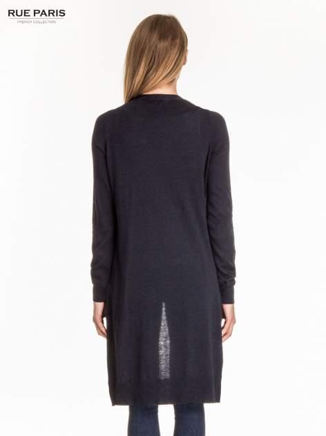 Granatowy długi sweter kardigan z rozporkami                                  zdj.                                  4