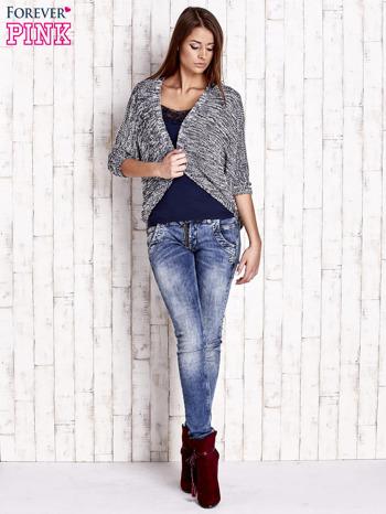 Granatowy melanżowy sweter z otwartym dekoltem                                  zdj.                                  2