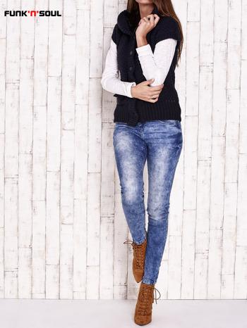 Granatowy sweter z futrzanym kapturem FUNK N SOUL                                  zdj.                                  2