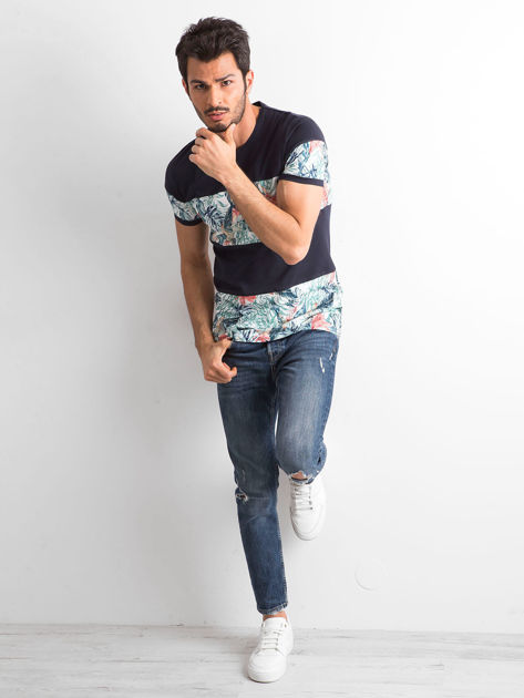 Granatowy t-shirt męski z motywem roślinnym                              zdj.                              4