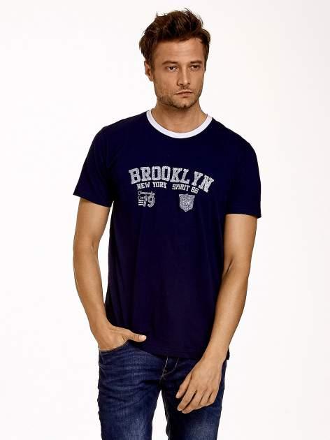 Granatowy t-shirt męski z napisami BROOKLYN NEW YORK SPIRIT 86                                  zdj.                                  2