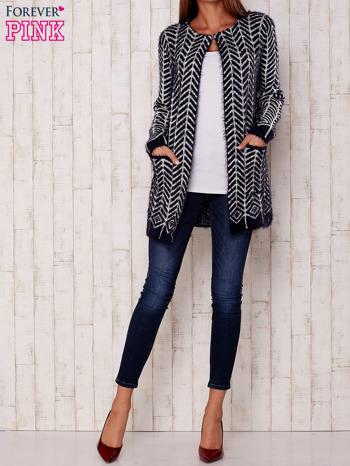Granatowy wełniany sweter z kieszeniami                                  zdj.                                  2