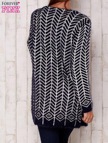 Granatowy wełniany sweter z kieszeniami                                  zdj.                                  4