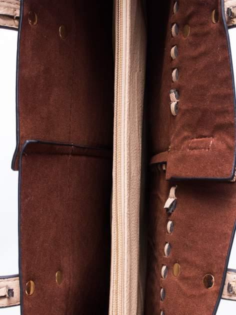 Jasnobeżowa torba z motywem przeplatania                                  zdj.                                  4