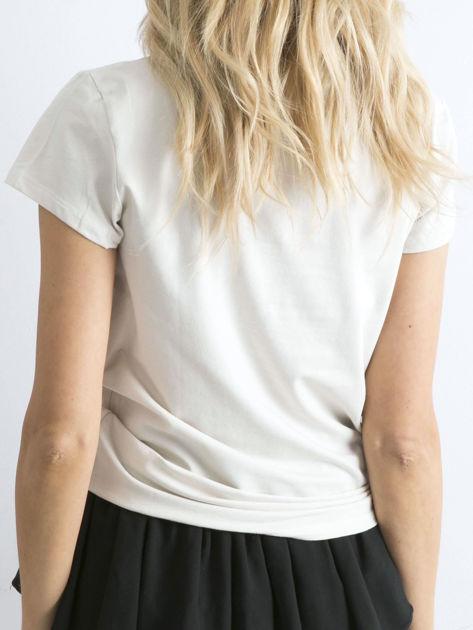 Jasnobeżowy t-shirt Peachy                              zdj.                              2