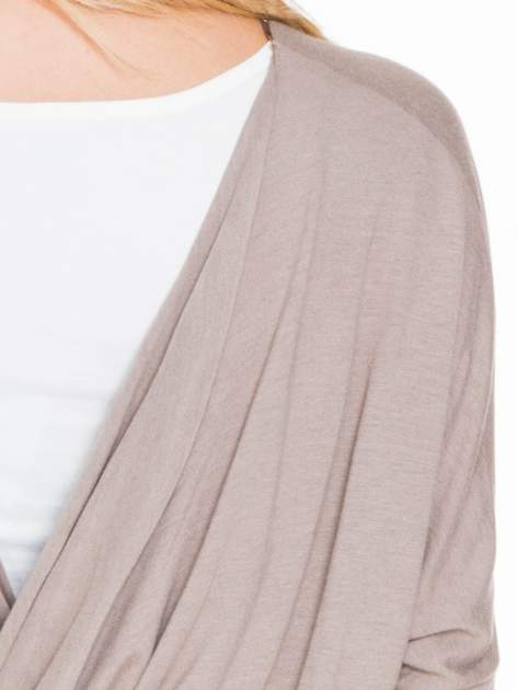 Jasnobrązowa bluzka z węzłowym dekoltem na plecach                                  zdj.                                  7