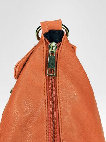 Jasnobrązowa pikowana torebka na ramię                                  zdj.                                  6