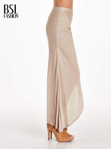 Jasnobrązowa spódnica maxi z drapowaniem i rozporkiem z boku                                   zdj.                                  3