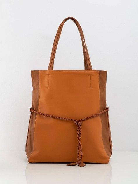 Jasnobrązowa torebka z wiązaniem
