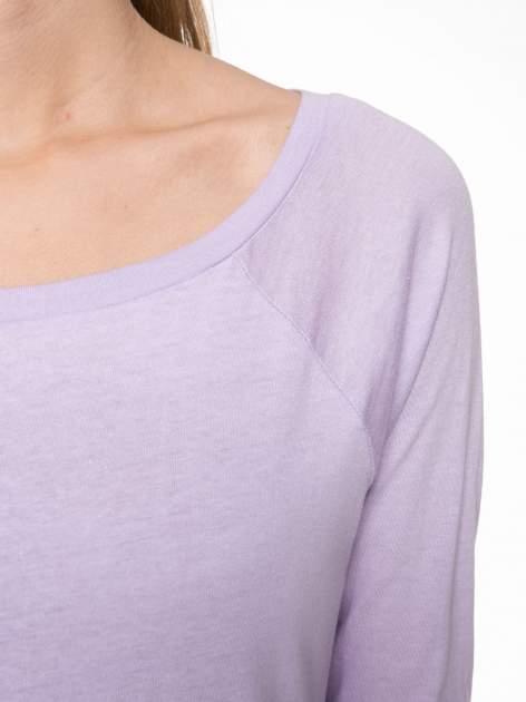 Jasnofioletowa bawełniana bluzka z rękawami typu reglan                                  zdj.                                  5