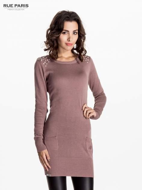 Jasnofioletowa dzianinowa sukienka z perełkami na ramionach                                  zdj.                                  1