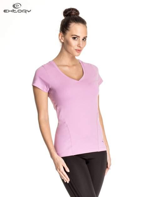 Jasnofioletowy damski t-shirt sportowy z dekoltem V PLUS SIZE                                  zdj.                                  3