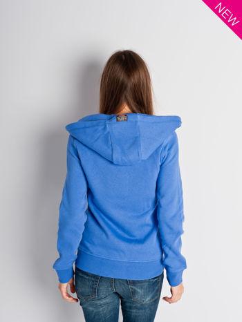 Jasnoniebieska dresowa bluza sportowa z kapturem