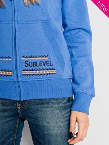 Jasnoniebieska dresowa bluza sportowa z kapturem                                  zdj.                                  5