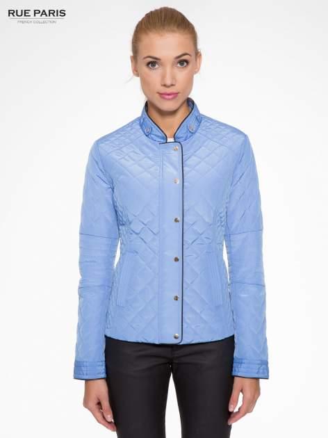 Jasnoniebieska pikowana kurtka ze skórzaną lamówką                                  zdj.                                  1