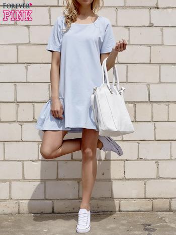 Jasnoniebieska sukienka dresowa z falbanami z boku                                  zdj.                                  4