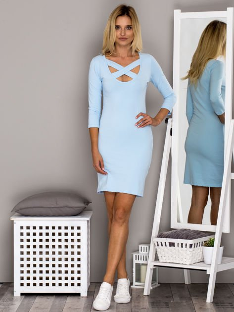 Jasnoniebieska sukienka z paskami przy dekolcie                                   zdj.                                  4