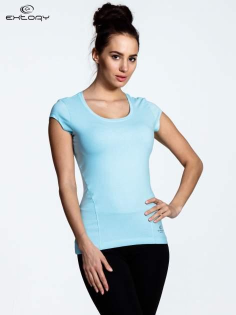 Jasnoniebieski damski t-shirt sportowy basic