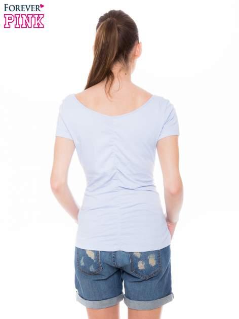 Jasnoniebieski gładki t-shirt z marszczeniem z tyłu                                  zdj.                                  3