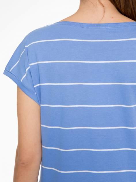 Jasnoniebieski t-shirt w paski                                   zdj.                                  7