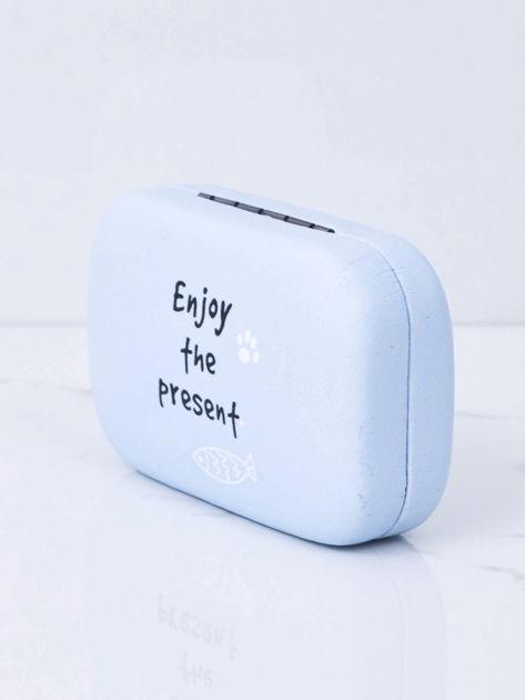 Jasnoniebieskie pudełko na szkła kontaktowe                              zdj.                              7