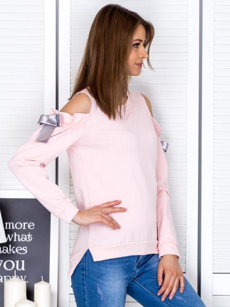 Jasnoróżowa bluza cut out z wstążkami                              zdj.                              5