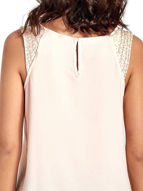 Jasnoróżowa bluzka koszulowa z koralikami przy ramionach                                  zdj.                                  6