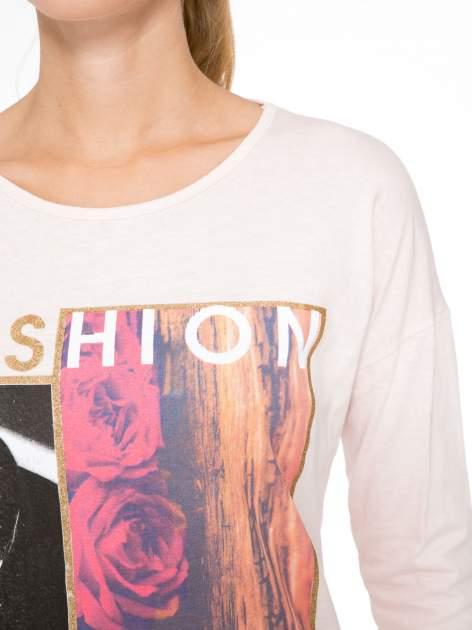 Jasnoróżowa bluzka z brokatowym napisem FASHION FLOWERS                                  zdj.                                  6