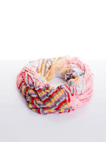 Jasnoróżowa chusta we wzór patchworkowy                                  zdj.                                  2