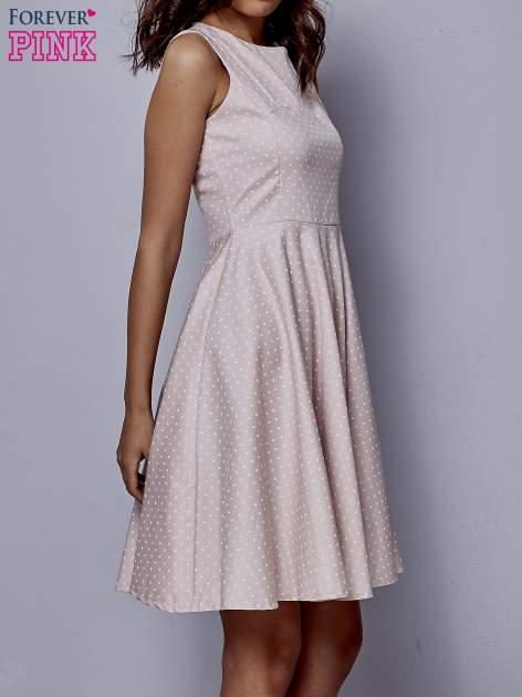 Jasnoróżowa rozkloszowana sukienka w groszki                                  zdj.                                  3