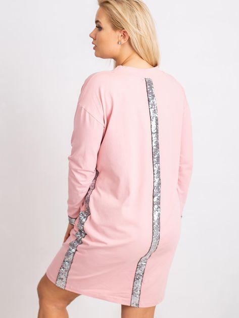 Jasnoróżowa sukienka plus size Mode                              zdj.                              2