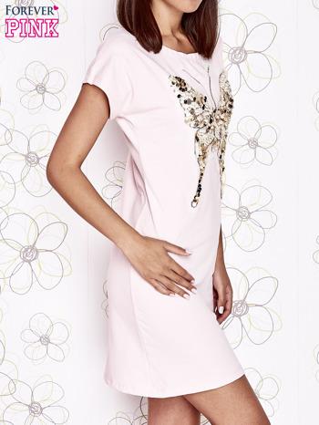 Jasnoróżowa sukienka z cekinowym motylem                                  zdj.                                  3