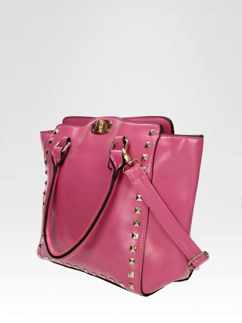 Jasnoróżowa torebka na ramię z dżetami                                  zdj.                                  3