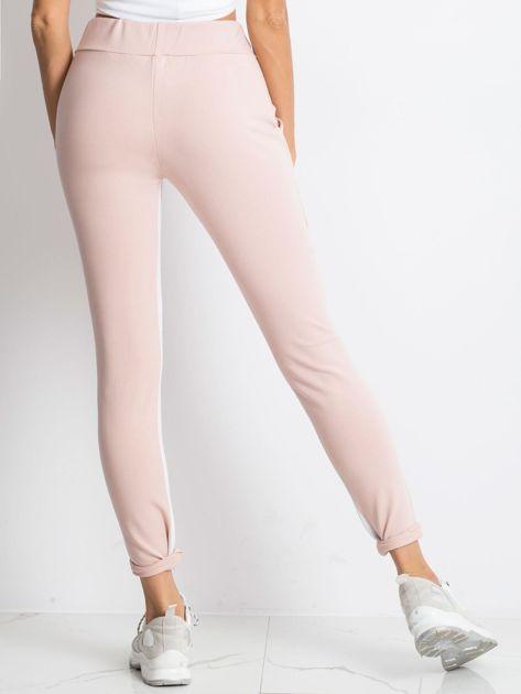 Jasnoróżowe spodnie dresowe Defined                              zdj.                              2