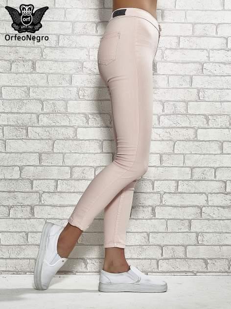 Jasnoróżowe spodnie rurki skinny                                  zdj.                                  3