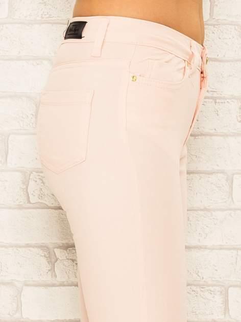 Jasnoróżowe spodnie rurki skinny z kieszeniami                                  zdj.                                  6