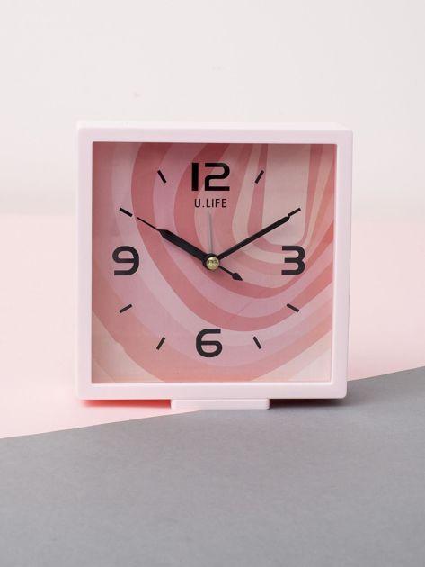 Jasnoróżowy kwadratowy zegarek                              zdj.                              1
