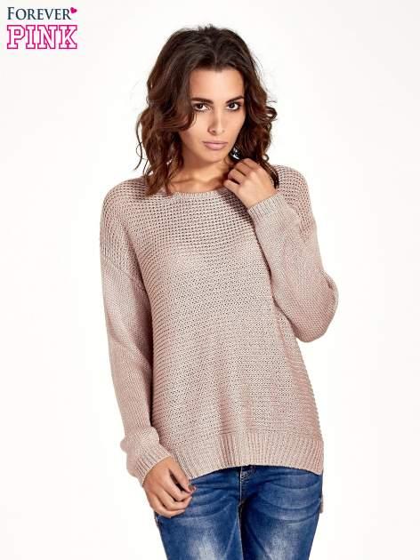 Jasnoróżowy sweter o większych oczkach                                  zdj.                                  1
