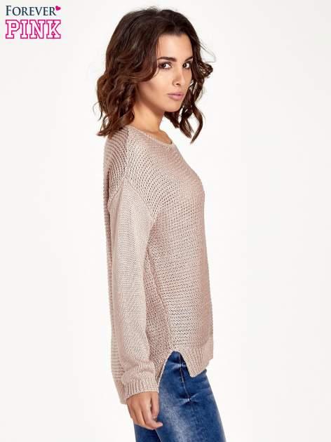 Jasnoróżowy sweter o większych oczkach                                  zdj.                                  3