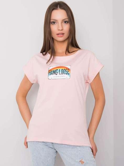 Jasnoróżowy t-shirt z nadrukiem Aloha