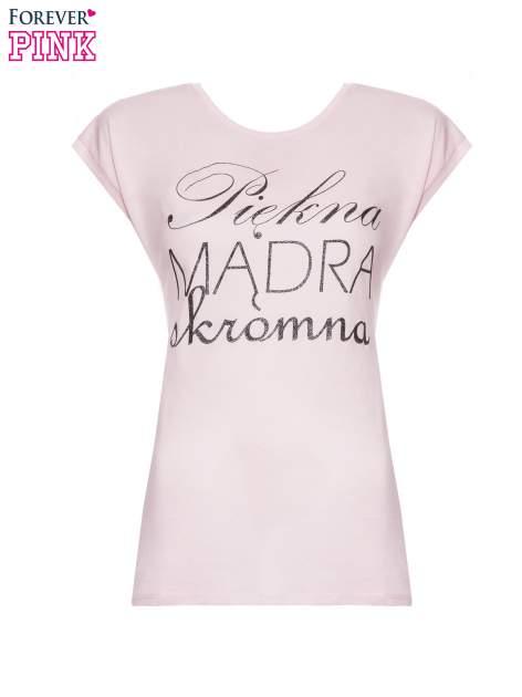 Jasnoróżowy t-shirt z nadrukiem tekstowym PIĘKNA MĄDRA SKROMNA                                  zdj.                                  2