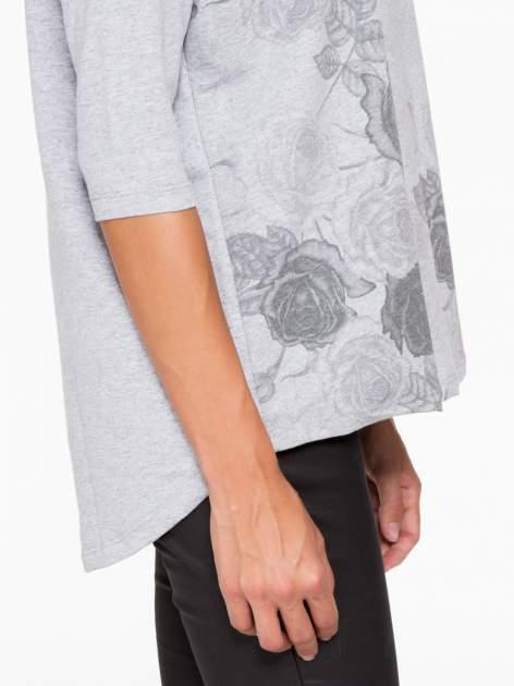 Jasnoszara bluza oversize z nadrukiem kwiatowym                                  zdj.                                  8