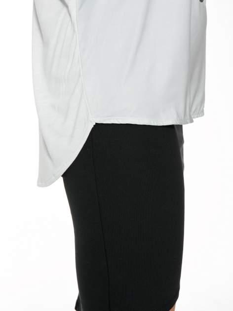 Jasnoszara bluzka z kwiatowym nadrukiem i rękawami 3/4                                  zdj.                                  8