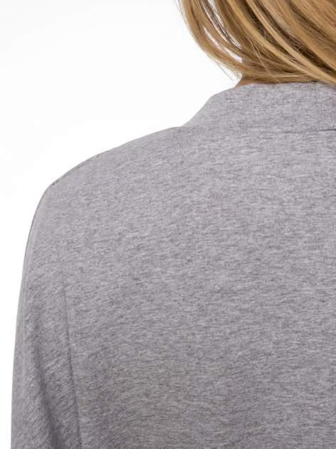 Jasnoszara dresowa otwarta bluza z nietoperzowymi rękawami                                  zdj.                                  7
