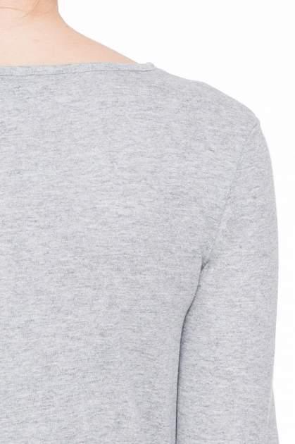 Jasnoszara gładka bluzka z dłuższym tyłem                                  zdj.                                  7