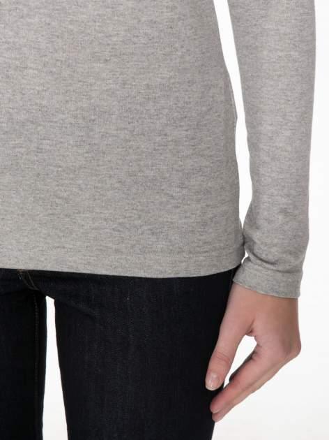 Jasnoszara melanżowa bluzka z reglanowymi rękawami                                  zdj.                                  6